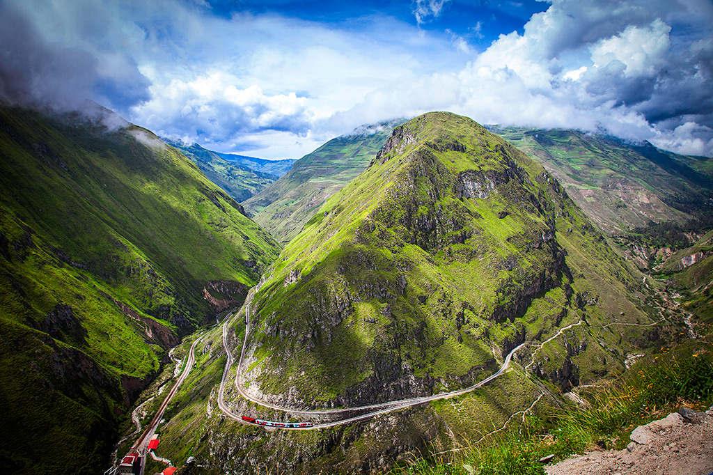 """Nhiều người cho rằng dãy Andes khi đó không thể bị """"khuất phục"""" bởi một tuyến đường sắt."""