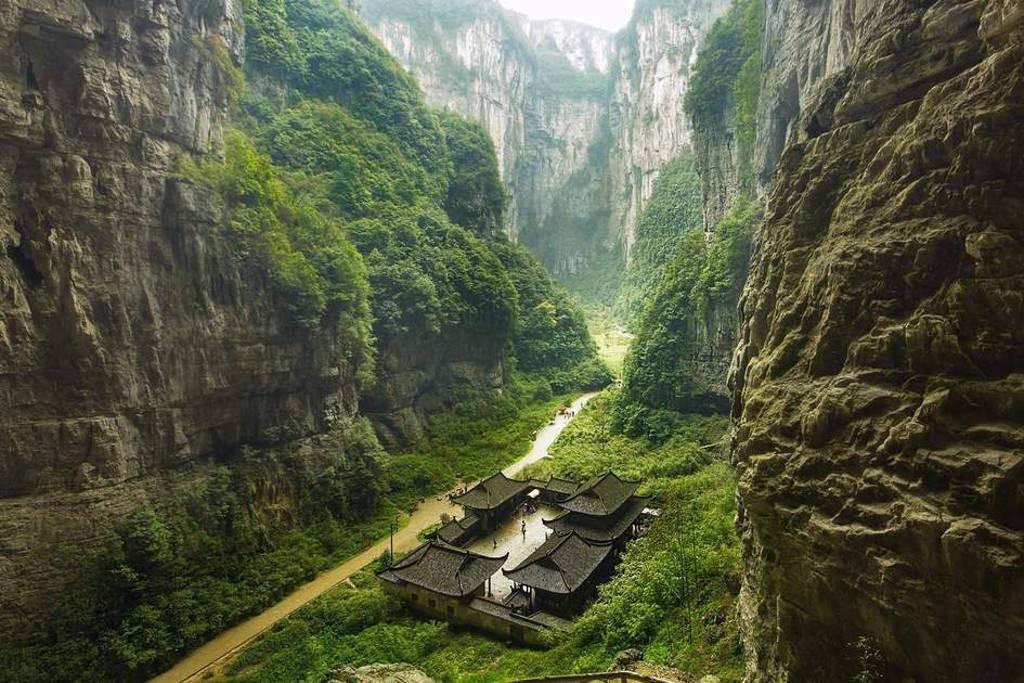 Cảnh đẹp ngoạn mục tại công viên địa chất Vũ Long, Trùng Khánh.