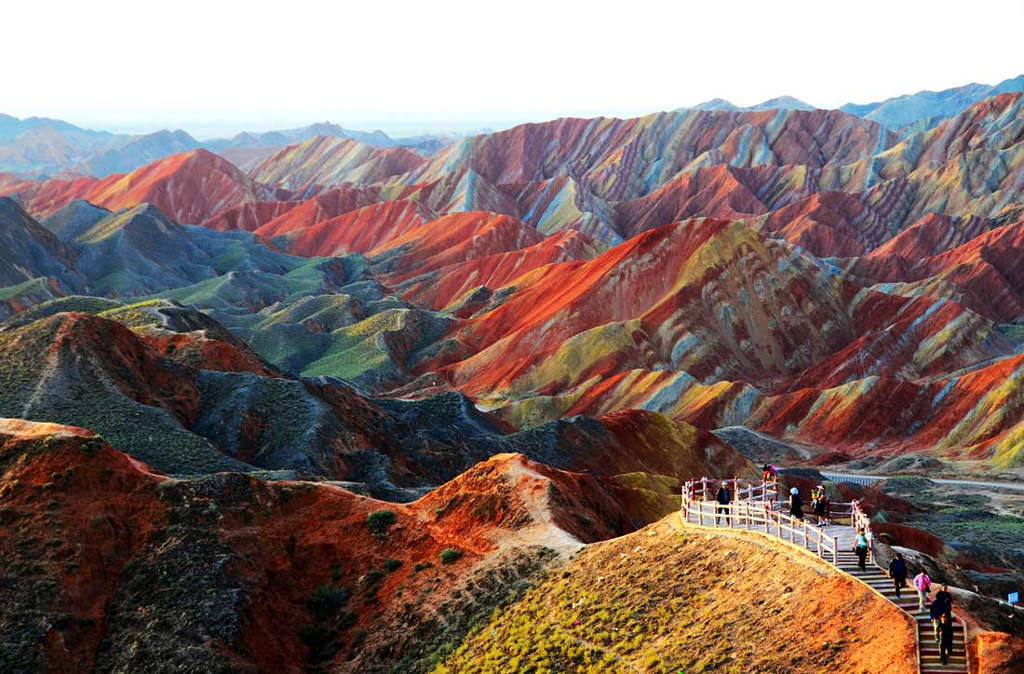 Dãy núi sặc sỡ tại công viên địa chất Zhangye Danxia, Cam Túc