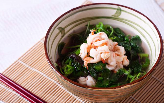 Bát canh rau dền nấu tôm là món ăn nhiều chất dinh dưỡng và thanh mát trong mùa hè