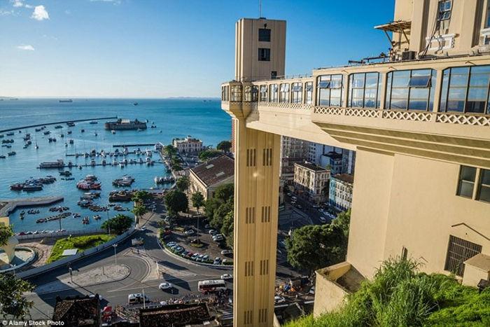 Thang máy được xây dựng năm 1873 và nhanh chóng trở thành điểm tham quan hút khách của bang Bahia.