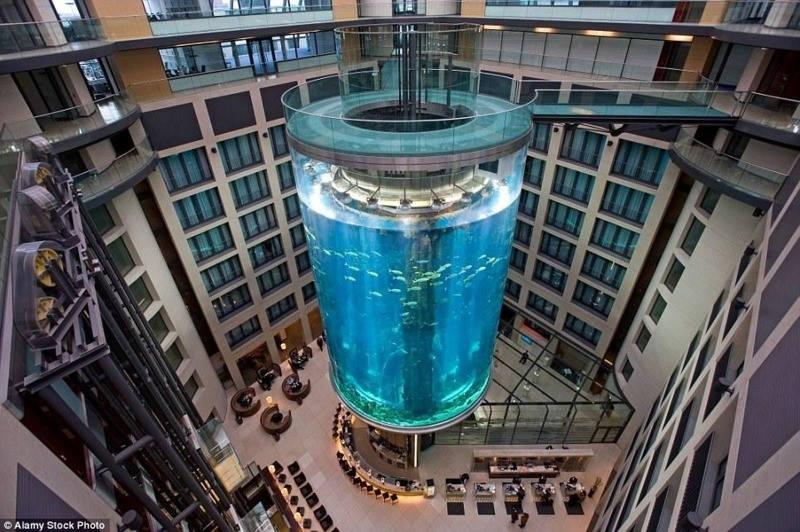 Thang máy AquaDom, Berlin, Đức
