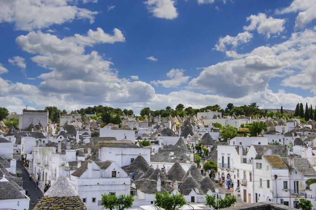 Thị trấn nhỏ Alberobello đầy những nét cuốn hút mê hoặc.