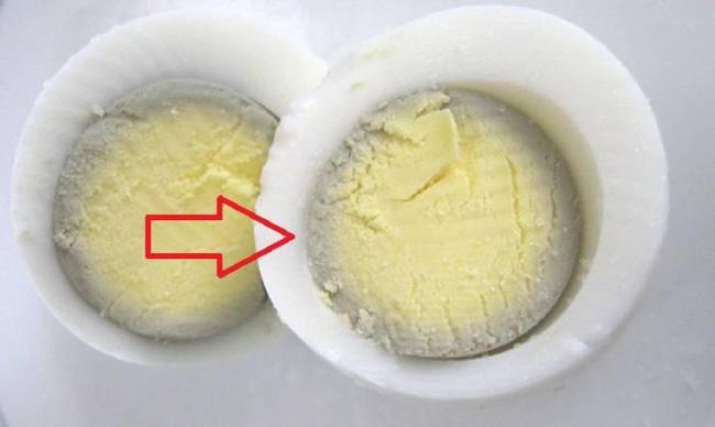 Trứng luộc có màu xanh