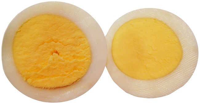 Cách luộc trứng không để lại vòng xanh