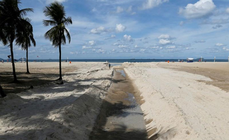 Vi khuẩn kháng thuốc được phát hiện trên nhiều bãi biển của thành phố Rio de Janeiro.