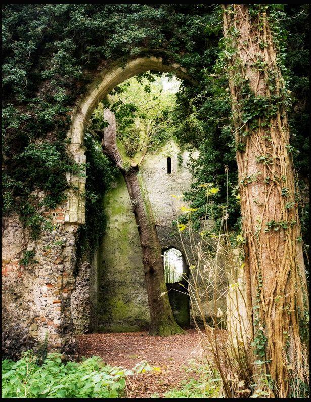 Xưởng sắt Fussells nằm gần ngôi làng thuộc trị trấn Mells, Somerset được xây dựng vào khoảng cuối thế ki 18, đầu thế kì 19.
