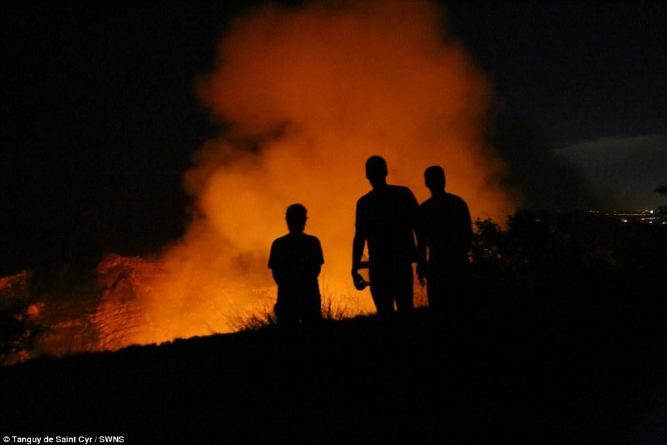 Rất đông du khách đã tới núi lửa Masaya ở Nicaragua để tận mắt chiêm ngưỡng vẻ đẹp của hồ dung nham cực hiếm này.