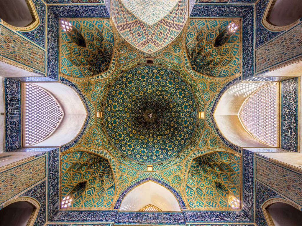 Nhà thờ Hồi giáo Jameh ở Yazd được hoàn thành vào thế kỷ thứ 14.