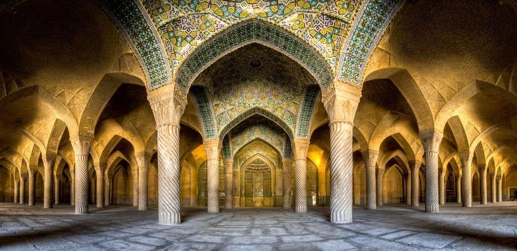 Nhà thờ Hồi giáo Vakil được xây dựng vào thế kỷ 18 tại Shiraz, Iran