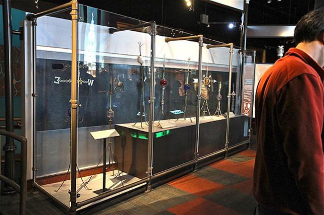 Phát minh cột thu lôi của Benjamin Franklin được trưng bày tại viện bảo tàng.