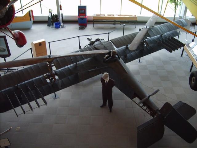 Chiếc máy bay lên thẳng đầu tiên trong lịch sử
