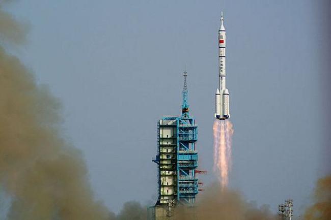 Thần Châu 9 là tàu vũ trụ có người lái đầu tiên của Trung Quốc.