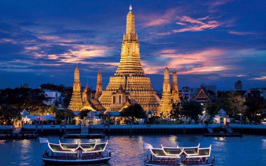 Bangkok là một trong những thành phố nóng nhất thế giới, với nhiệt độ thường lên tới 40 độ C. Vào mùa đông, thành phố này có mức nhiệt trung bình khoảng 26 độ C.