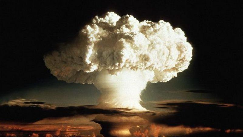 Castle Bravo là tên mã của vụ thử nghiệm bom hydrogen đầu tiên do Mỹ thực hiện tại đảo Bikini, thuộc quần đảo Marshall, Thái Bình Dương vào ngày 1/3/1945.