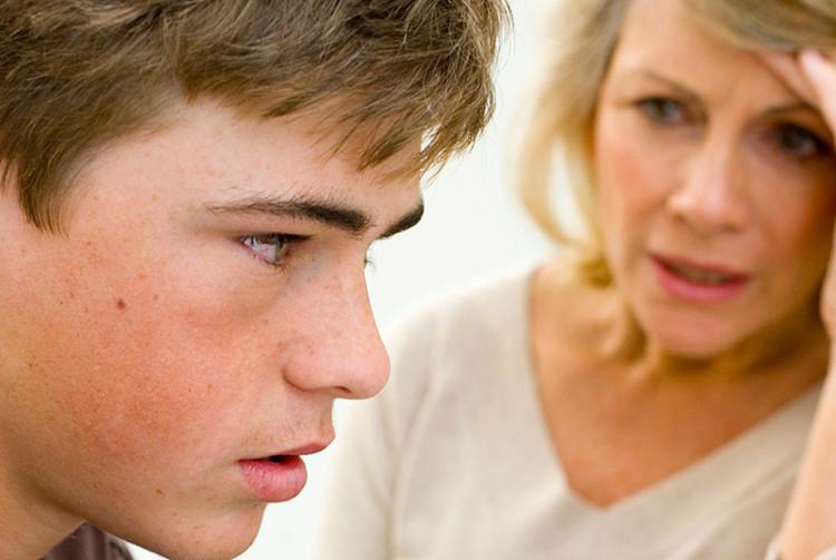 Đối với tuổi thành niên, cha mẹ luôn phải đau đầu vì những lời nói dối của con cái.