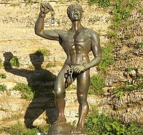 Lịch sử La Mã cổ đại ghi nhận rất nhiều cuộc nổi dậy của tầng lớp nô lệ.