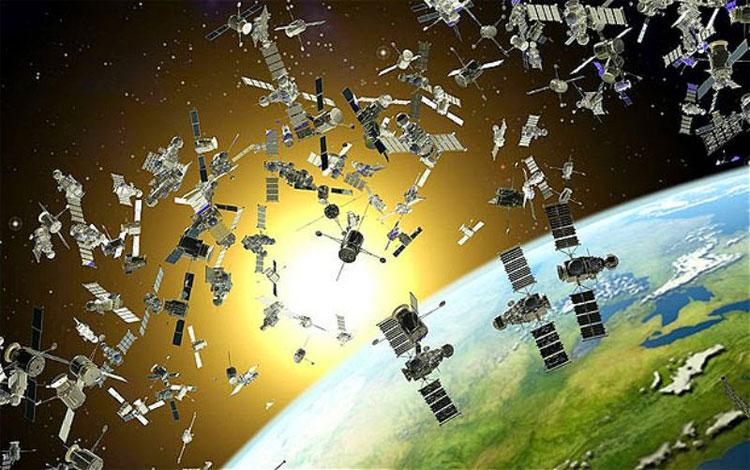 Tính đến nay, có khoảng 2000 vệ tinh đang hoạt động.