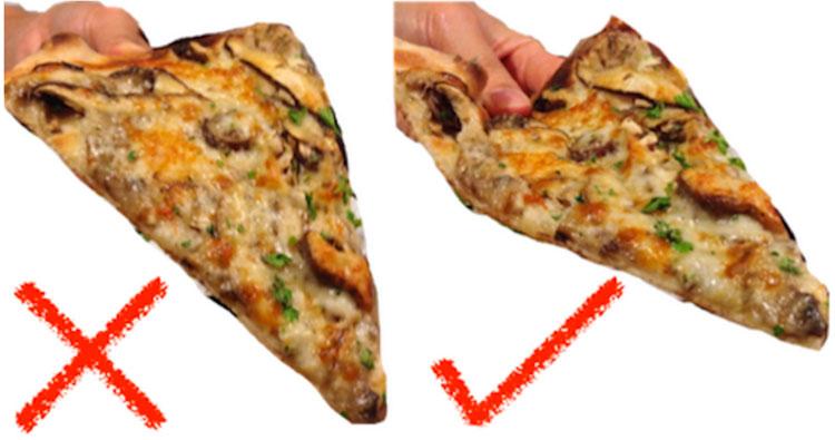 """Bất kể một mặt phẳng nào, từ tờ giấy cho đến miếng bánh pizza, sẽ có một khu vực """"không cong""""."""