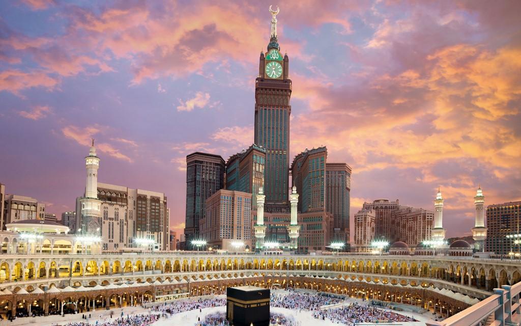 Tháp đồng hồ Abraj Al-Bait, Mecca, Ả Rập Saudi (601 m)