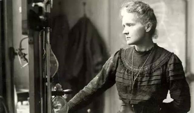 Nhà khoa học nổi tiếng người Ba Lan Marie Curie.