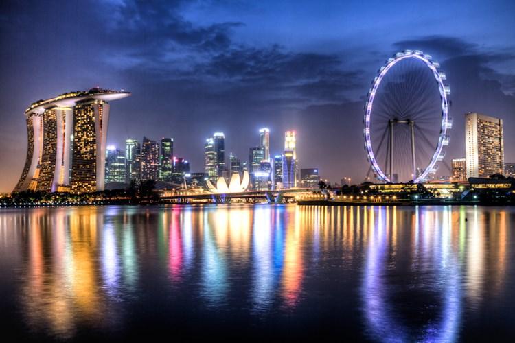 Singapore là một trong số 20 quốc gia nhỏ nhất thế giới, với diện tích khoảng 716 km2