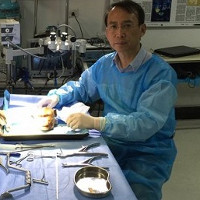 Bác sĩ Trung Quốc: Đừng coi người cấy ghép đầu là quái vật