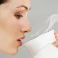 Lý do bạn nên uống nước ấm thay vì nước lạnh