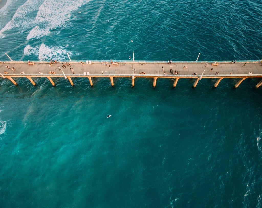 Cầu cảng bãi biển Manhattan, bang California