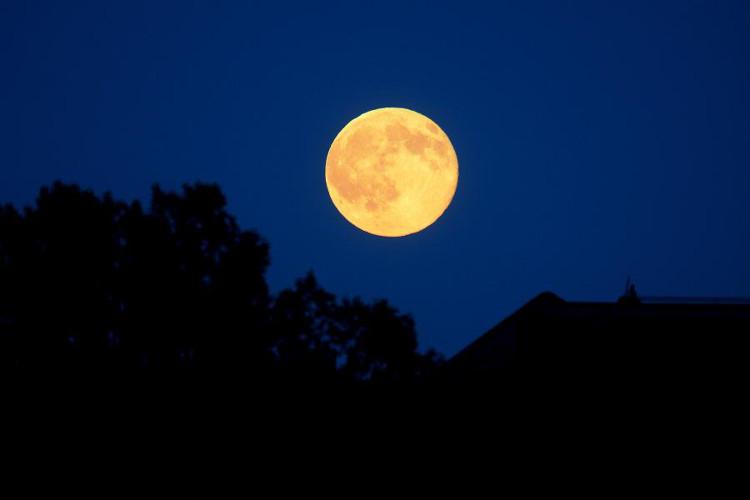 Hiện tượng trăng tròn được quan sát ở Berlin, Đức.