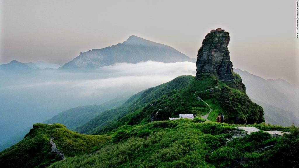 Ngọn núi thiêng Fanjing nằm ở phía đông bắc Quý Châu.