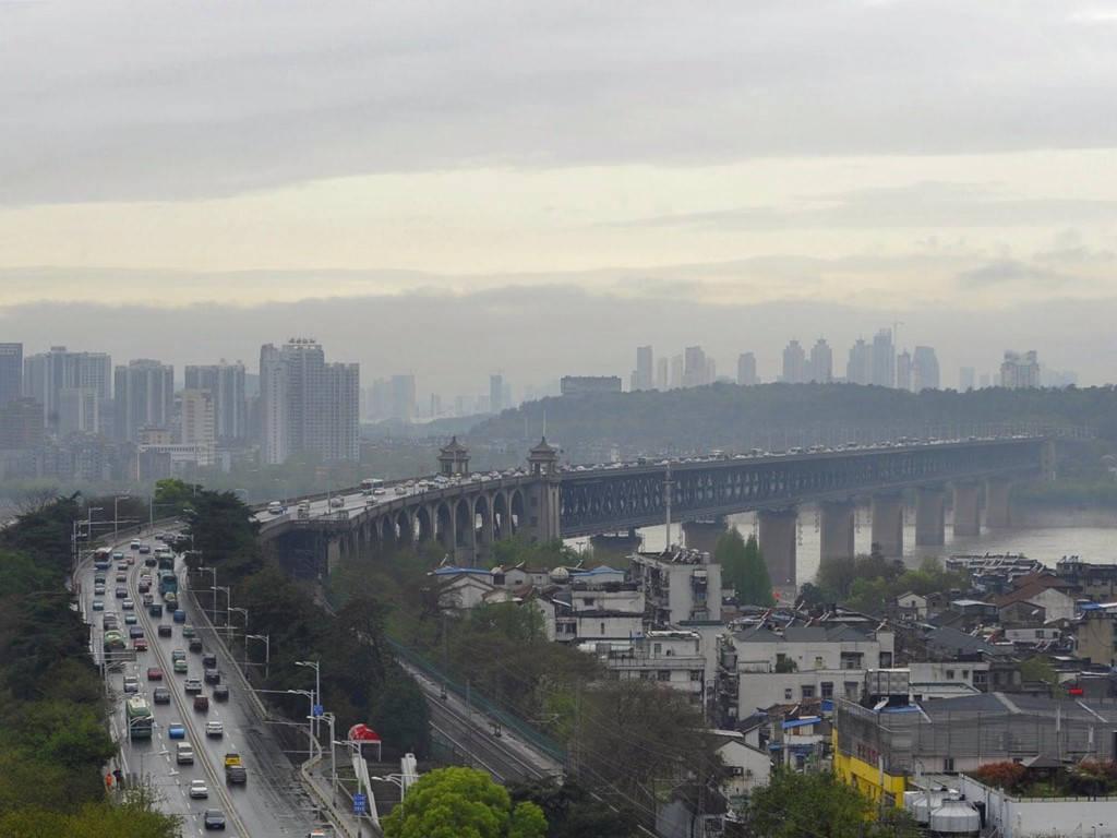 Cầu Vũ Hán Thiên Hưng Châu (1,7 tỷ USD)