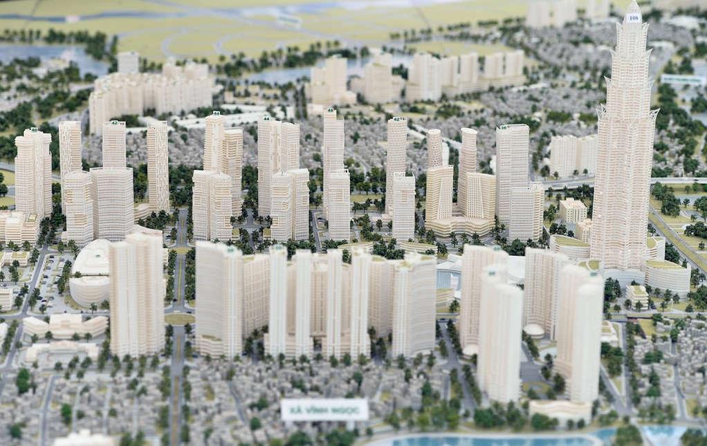 ... khu vực tổ hợp các công trình nhà cao tầng kế cận nút giao giữa đường Nhật Tân – Nội Bài và quốc lộ 5 kéo dài.