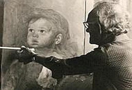 Họa sĩ Bruno Amadio đang thực hiện một tác phẩm khác cũng về trẻ em.