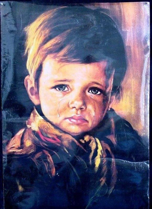 """Bức tranh """"Cậu bé khóc"""" không bị phá hủy bởi khói và nhiệt."""