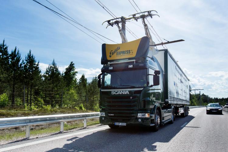 Thụy Điển đã lần đầu tiên khai trương một tuyến đường cao tốc sử dụng điện (eHighway) mang tính thử nghiệm.