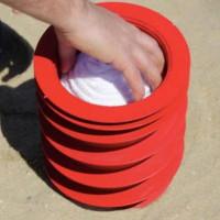 Video: Sáng kiến giữ đồ khi đi biển mà không cần mất tiền thuê tủ để đồ