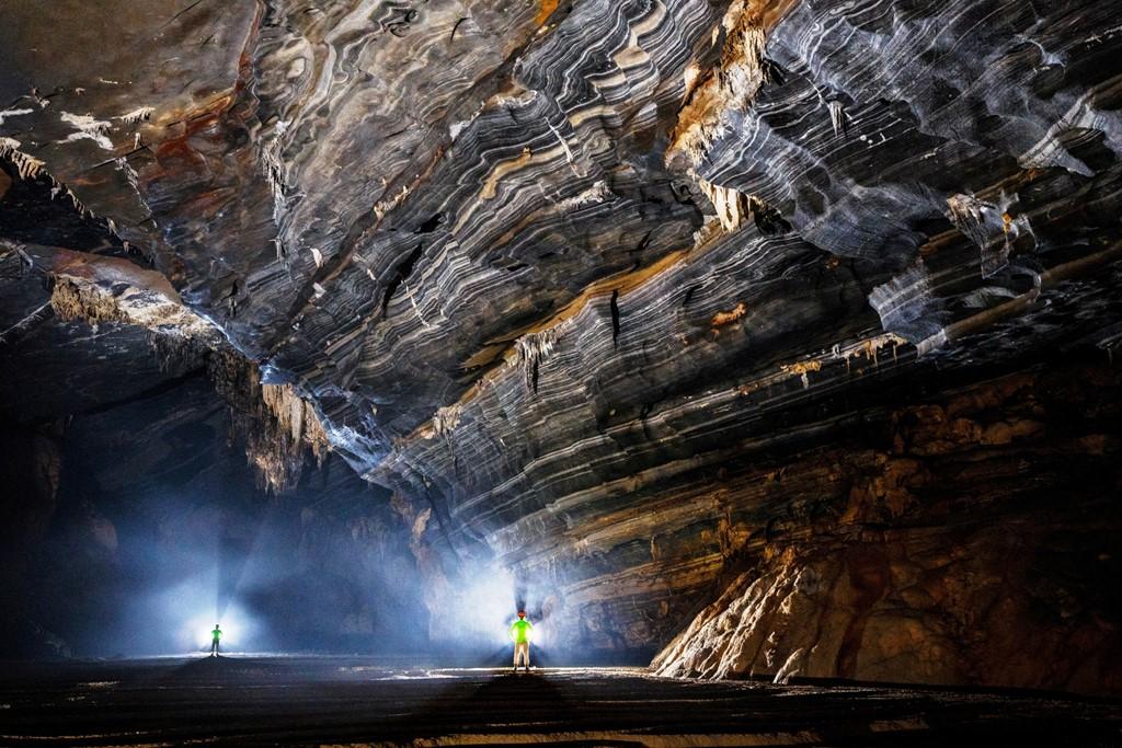 Hang Tiên 2 có chiều dài 2.519 m, nơi sâu nhất 94 m so với mặt đất.
