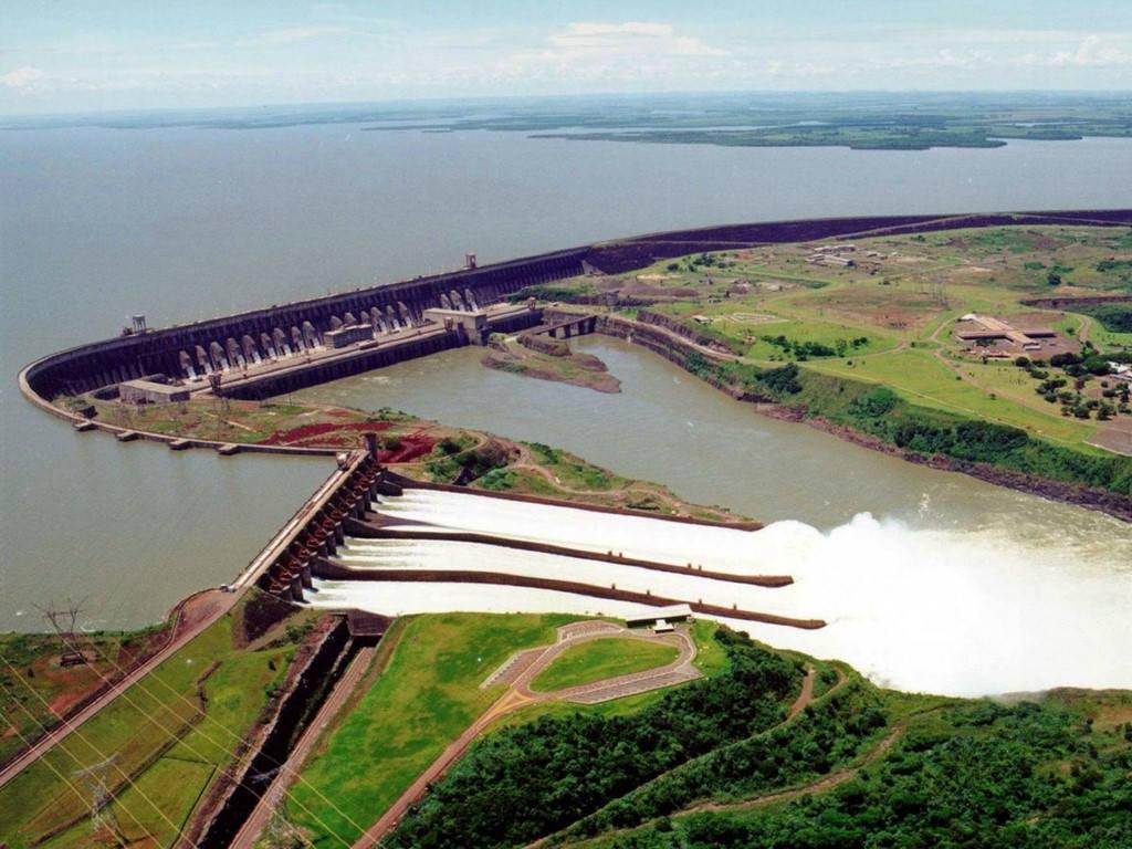 Đập Itaipu ở biên giới Brazil và Paraguay tạo ra 89,5 Twh điện mỗi năm, hơn bất cứ đập thủy điện nào trên thế giới.