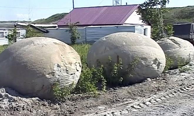 Các chuyên gia loại trừ khả năng các khối cầu do con người tạo ra và khẳng định chúng tồn tại từ kỷ Jura.
