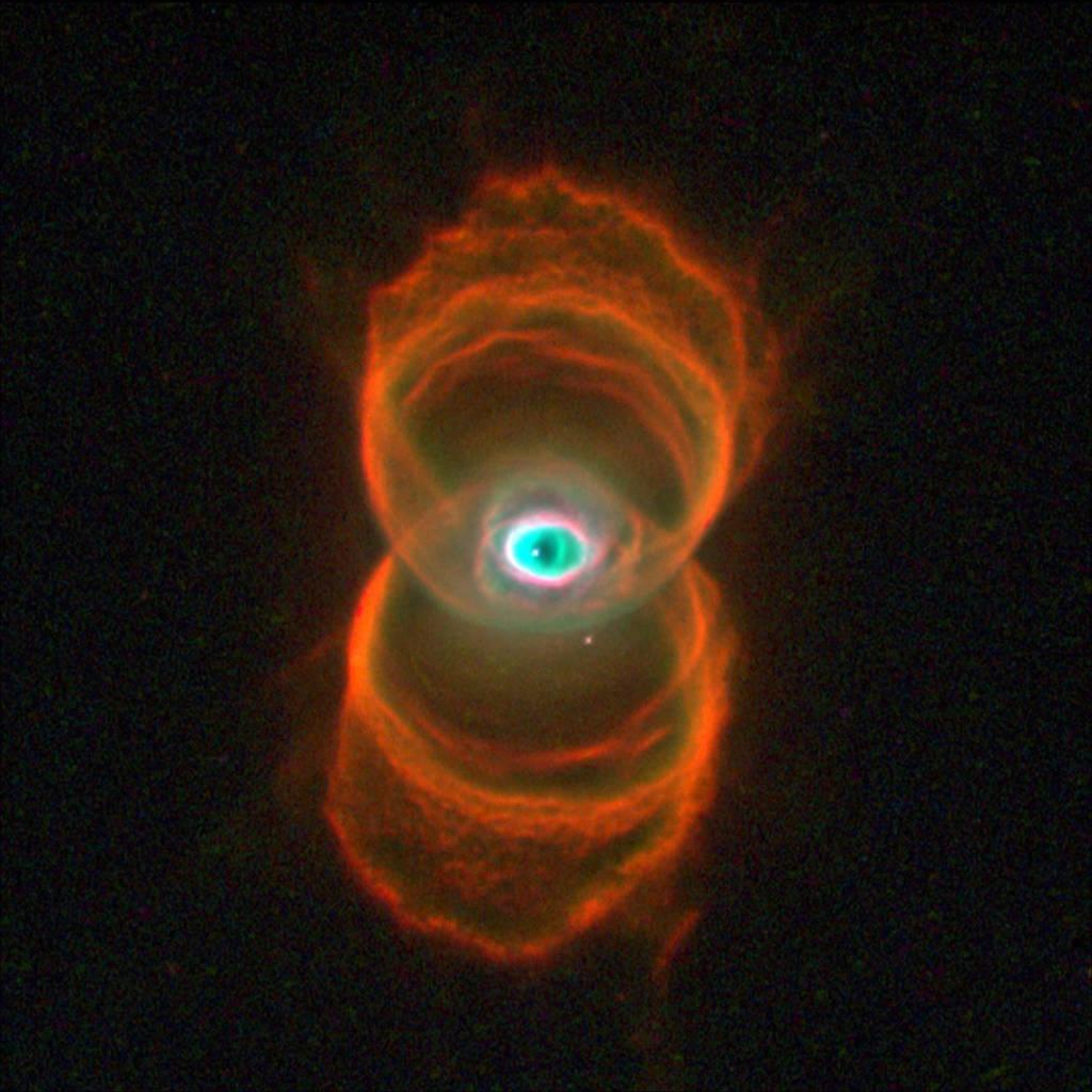 Hình ảnh một ngôi sao non, tên là MyCn18 đang trong quá trình được hình thành
