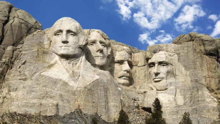 Nhiều du khách đã đặt cho Rushmore một tên gọi khác dễ nhớ hơn là núi Mặt Người.