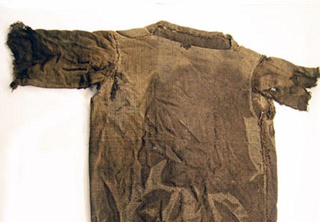 Áo len cổ đại