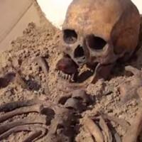 Phát hiện bộ xương ma cà rồng 500 năm tuổi ở Ba Lan