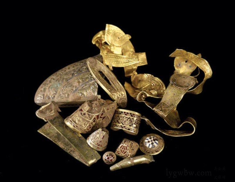 Kho báu Anglo-Saxon
