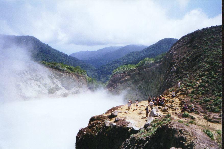 Hồ Sôi, Dominica