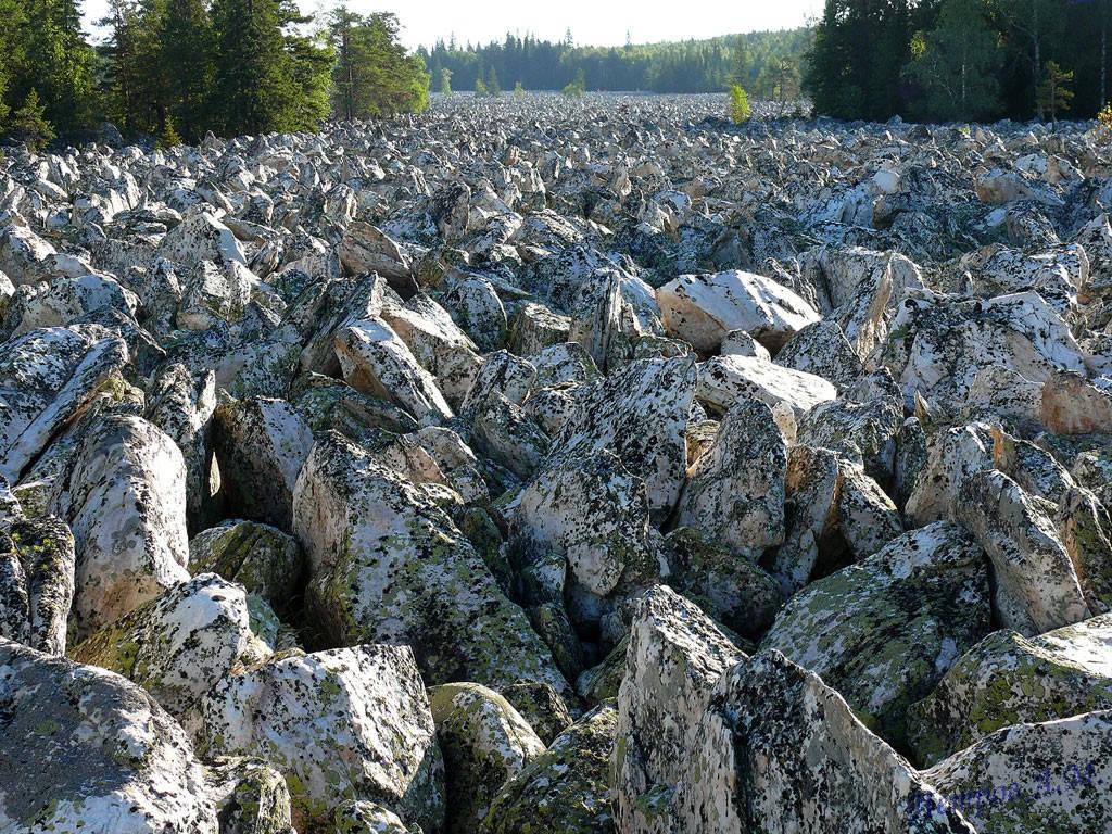 Mặc dù được gọi là sông, nhưng những tảng đá không hề chuyển động suốt hàng ngàn năm nay.