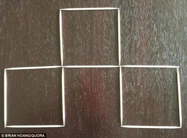 Lấy nốt que diêm của hình vuông ở giữa và xếp sang phải.