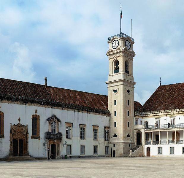 Đại học Coimbra.