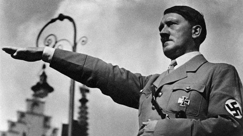 """Nostradamus đã tiên đoán Adolf Hitler là """"một người đàn ông tàn bạo... kẻ thù lớn nhất của loài người... chưa từng có ai dã man hơn hắn... kẻ khát máu và vô nhân tính""""."""